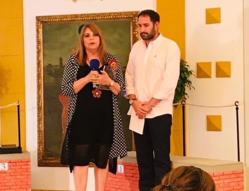 Mª Carmen Portillo recoge el premio Acción  Social otorgado  por Onda  Algeciras TV